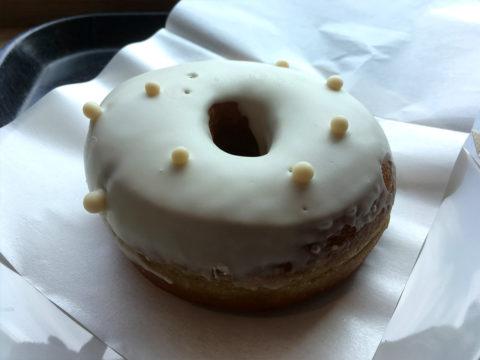 スターバックス新商品 ミルククリームドーナッツ